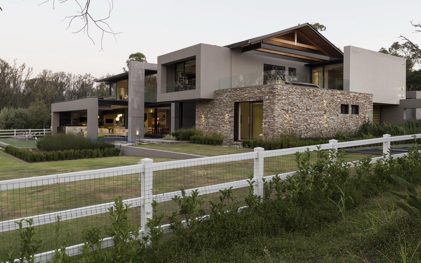 Blair Atholl by Nico van der Meulen Architects 52