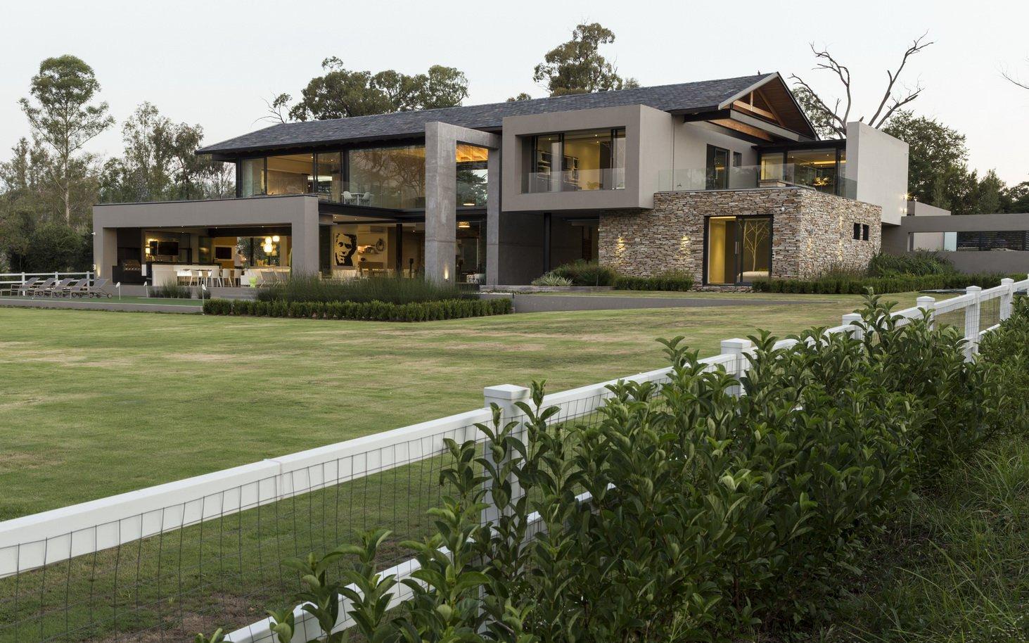 Blair Atholl by Nico van der Meulen Architects 6