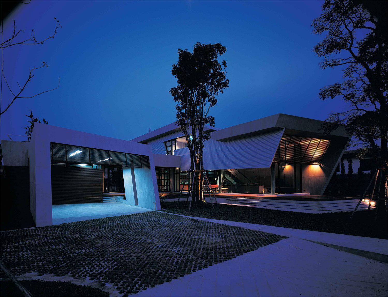 Bunker-House-02