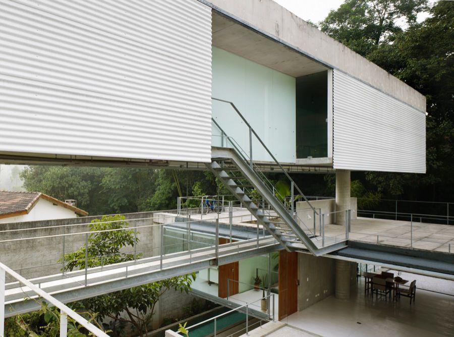Carapicuiba-House-11-2