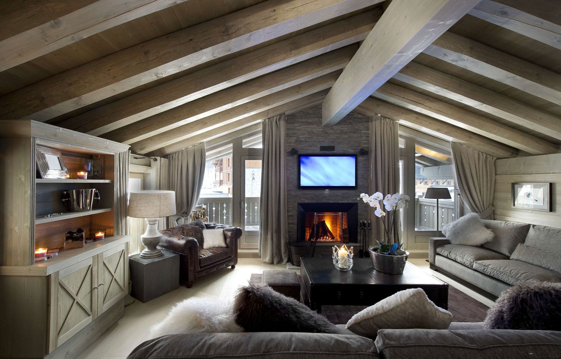 Chalet-White-Pearl-01