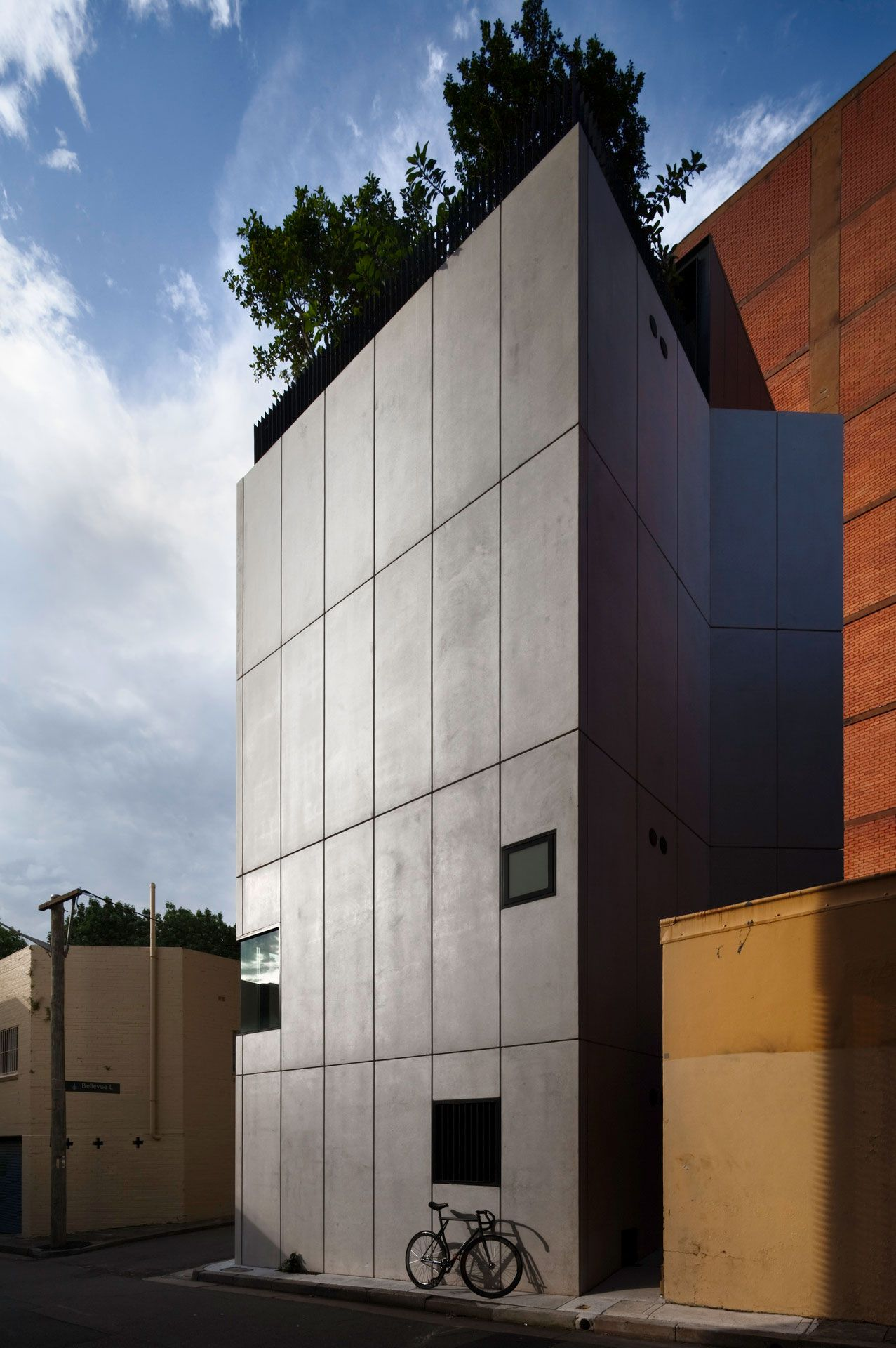 Contemporary-Small-House-04