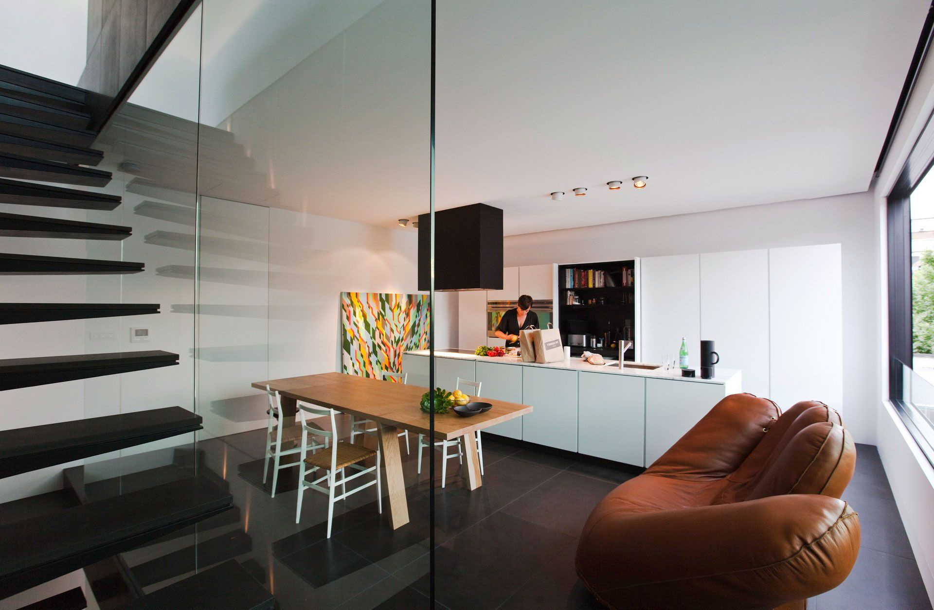 Contemporary-Small-House-06-1