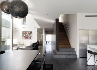 Robinson Road Residence by Steve Domoney Architecture