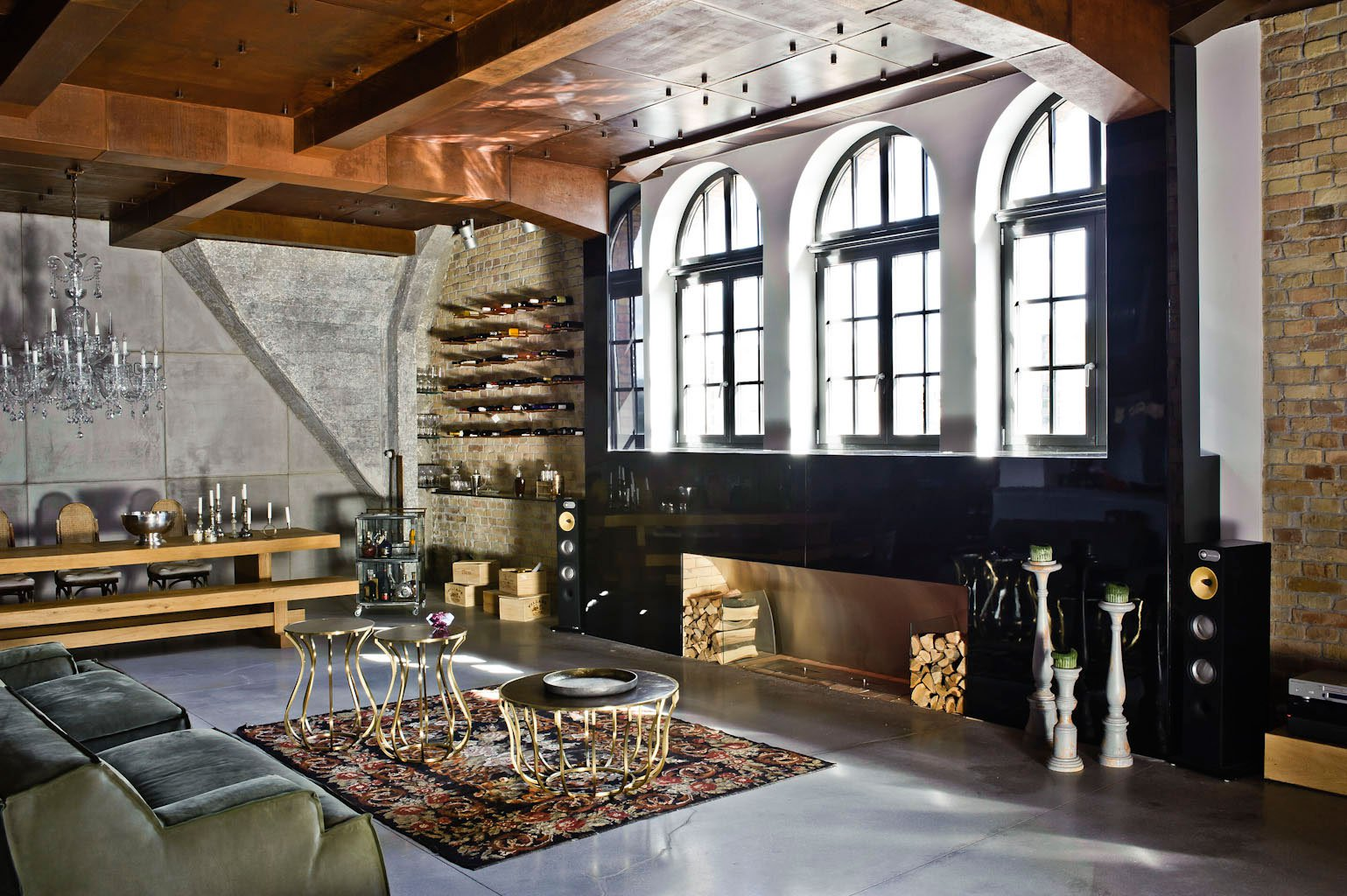 Eclectic-Apartment-Budapest-09