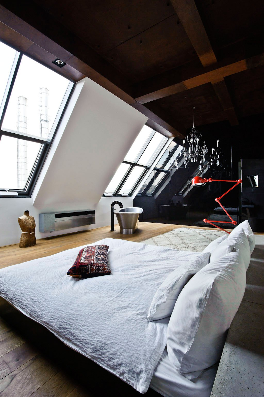 Eclectic-Apartment-Budapest-18