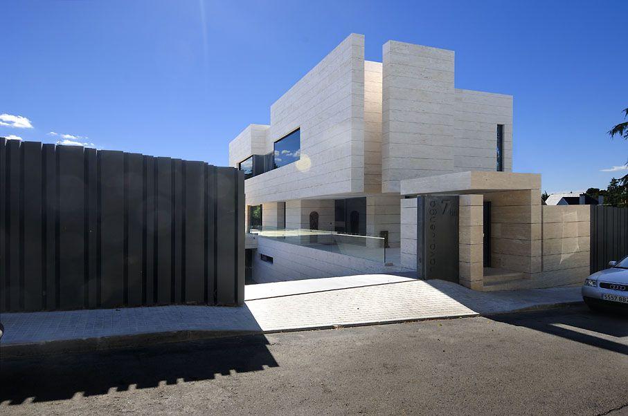 Family-House-in-Pozuelo-de-Alarcón-04