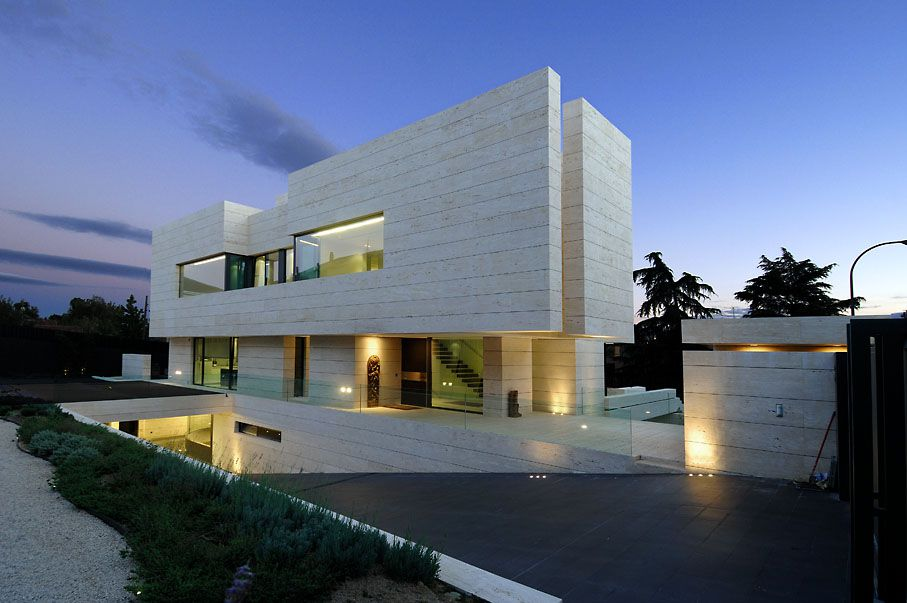 Family House In Pozuelo De Alarcón By A Cero