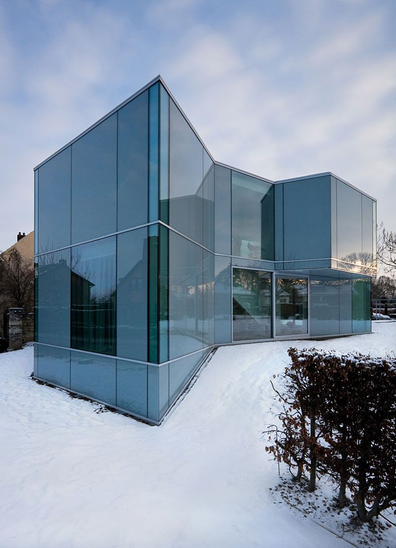 Glass-and-Concrete-H-House-01-2