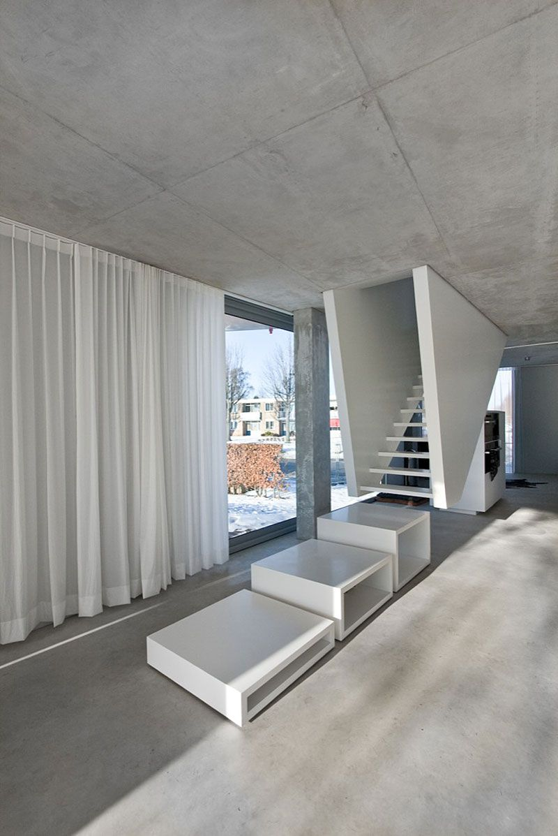 Glass-and-Concrete-H-House-05