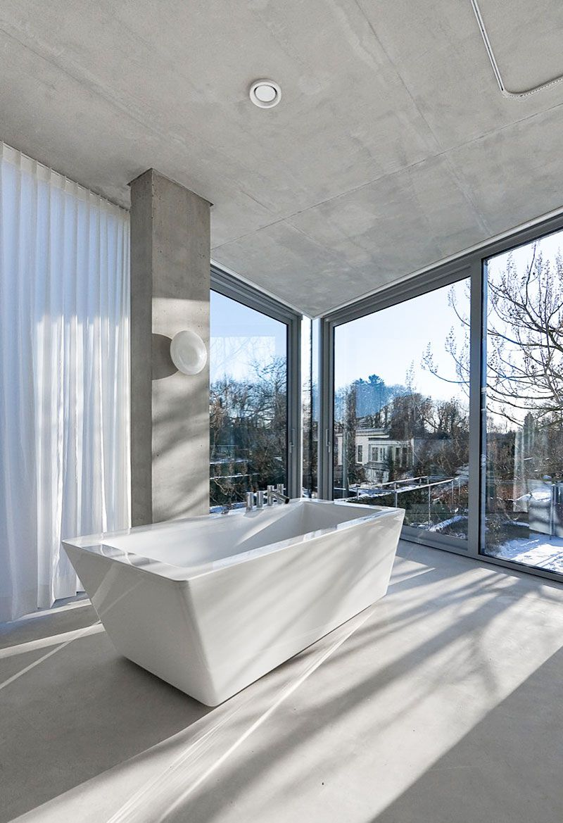 Glass-and-Concrete-H-House-12