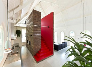God's Loftstory Church Conversion by Leijh, Kappelhof, Seckel, van den Dobbelsteen Architecten