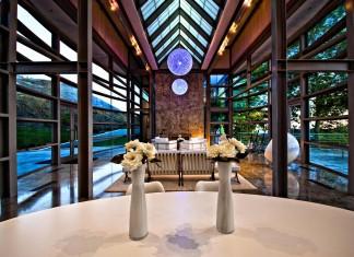Luxury Henman House in Malibu By Edward Niles