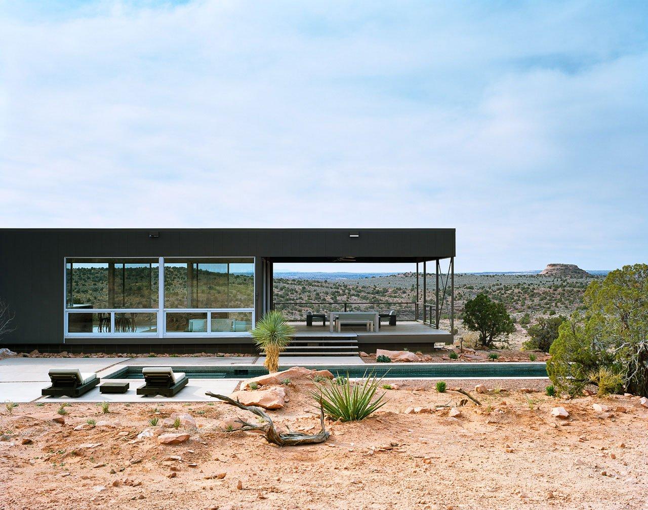 Hidden Valley Prefab Residence by Marmol Radziner