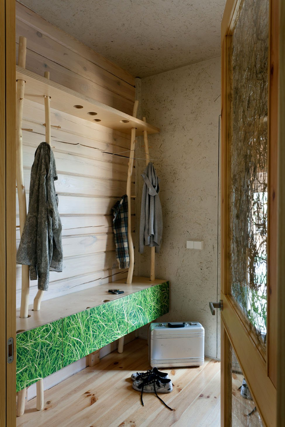 Home-in-a-Log-Cabin-16