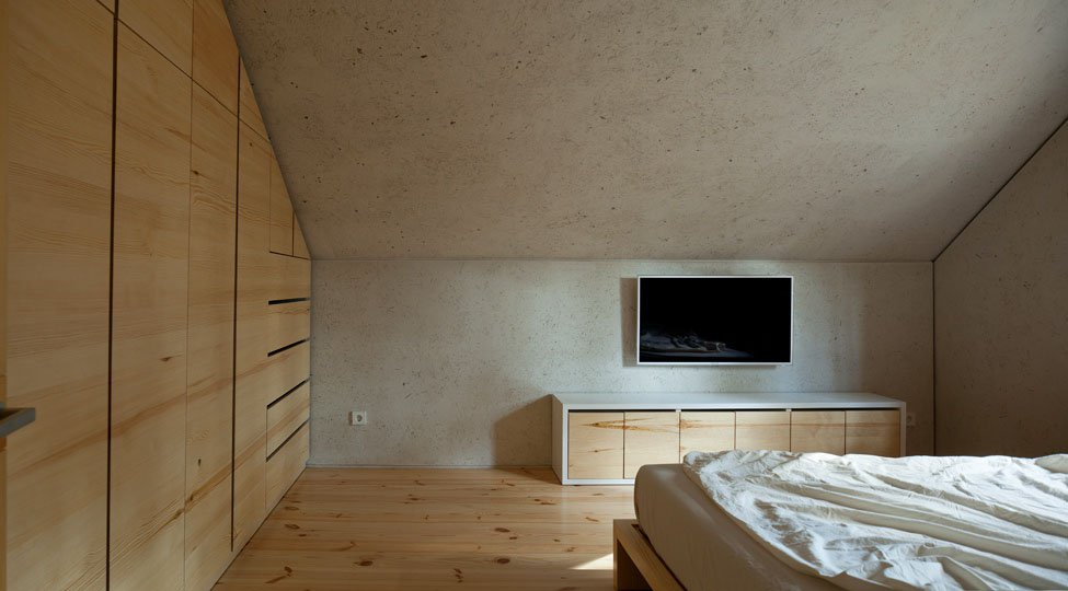 Home-in-a-Log-Cabin-19