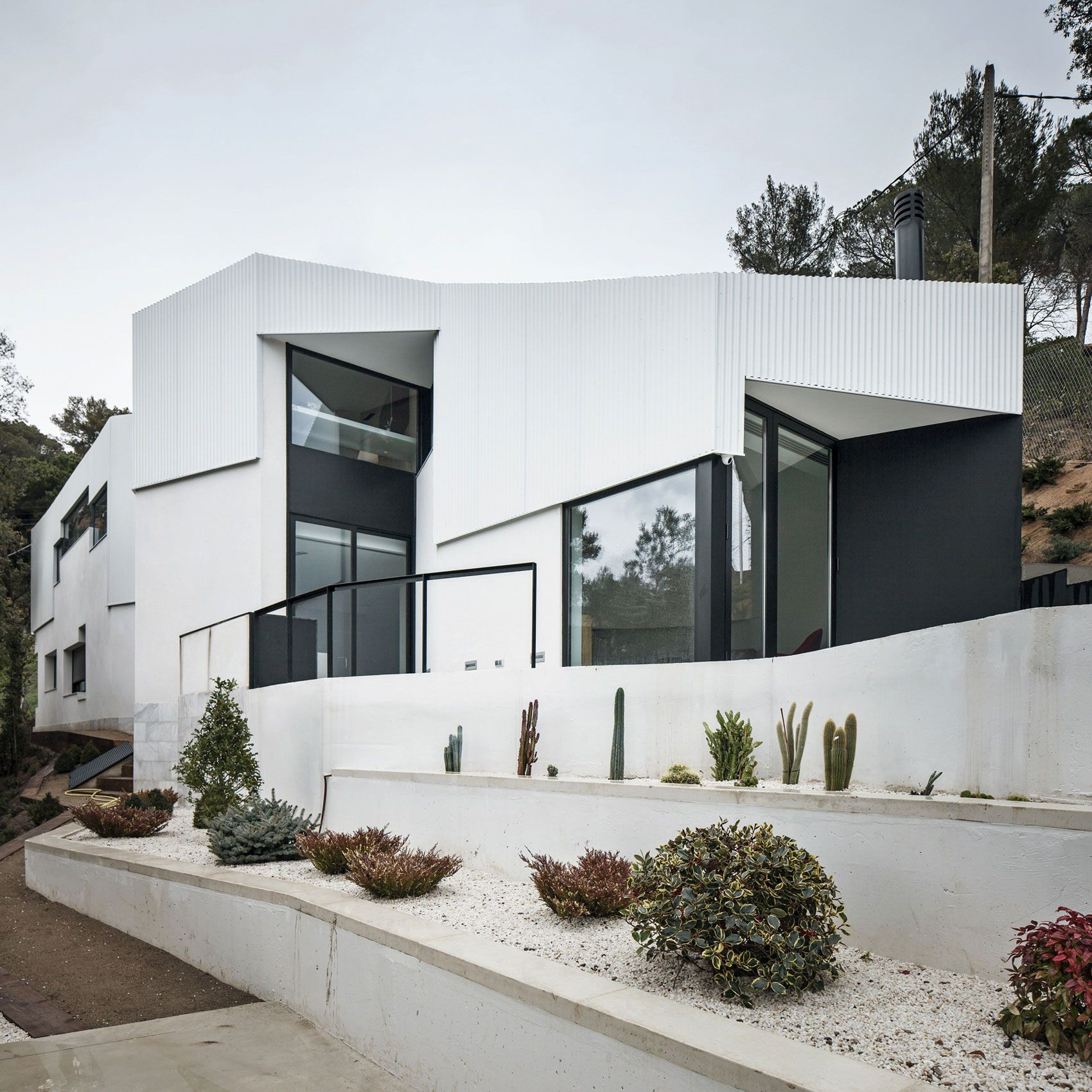 House-AT-02