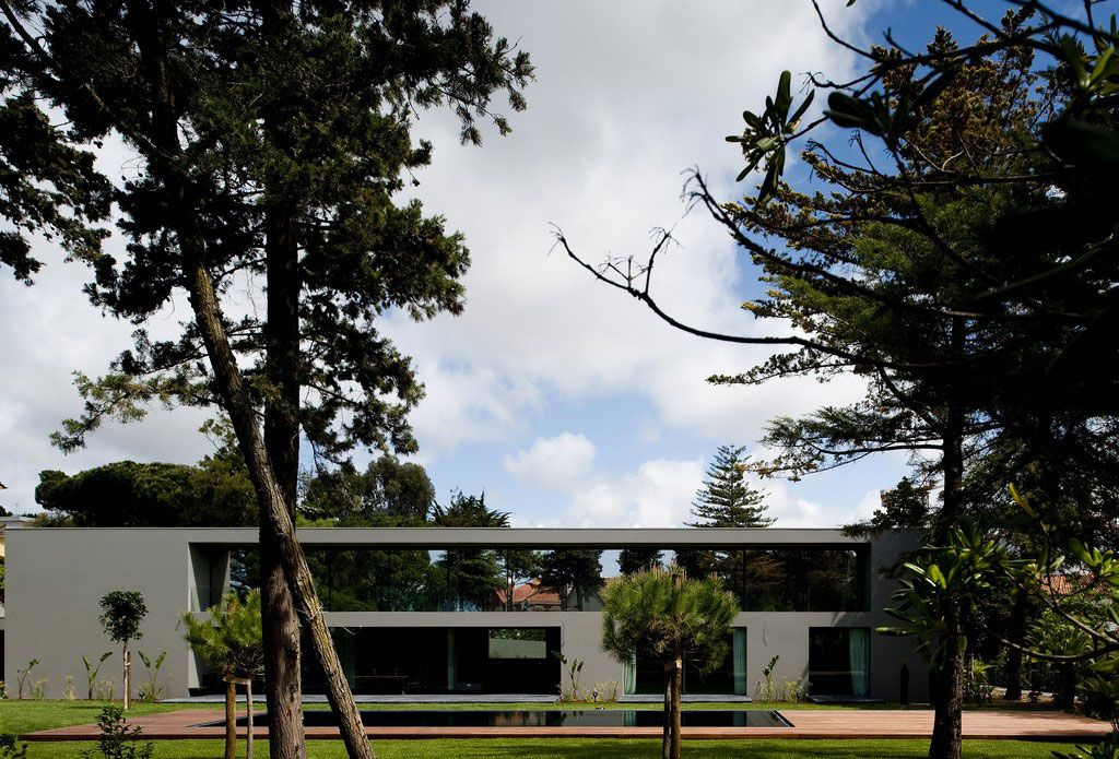 House-in-Estoril-00