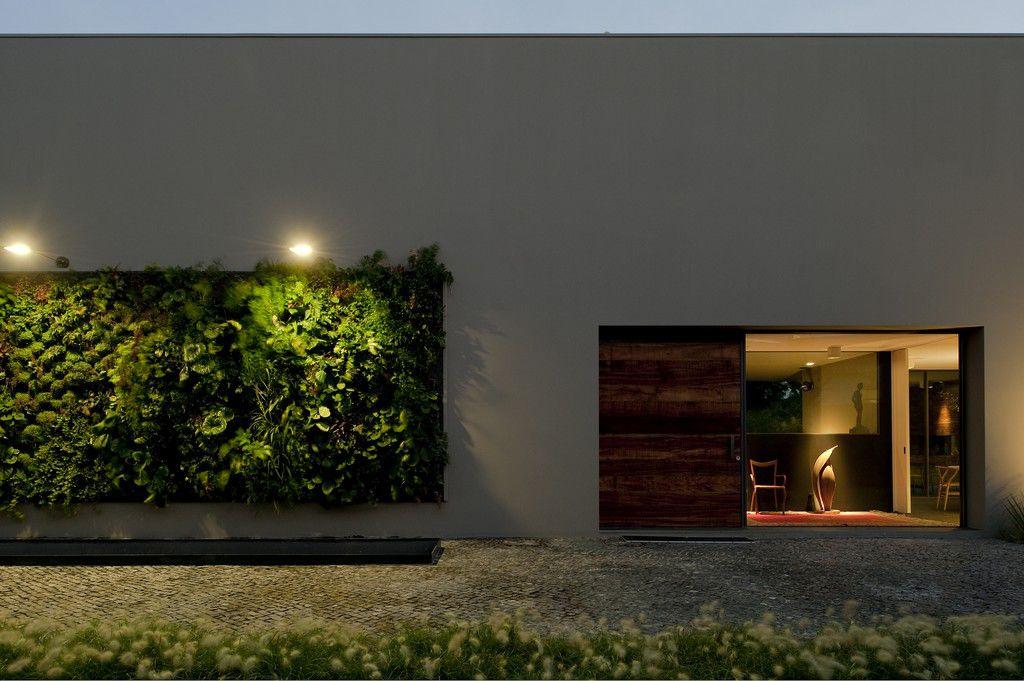 House-in-Estoril-03