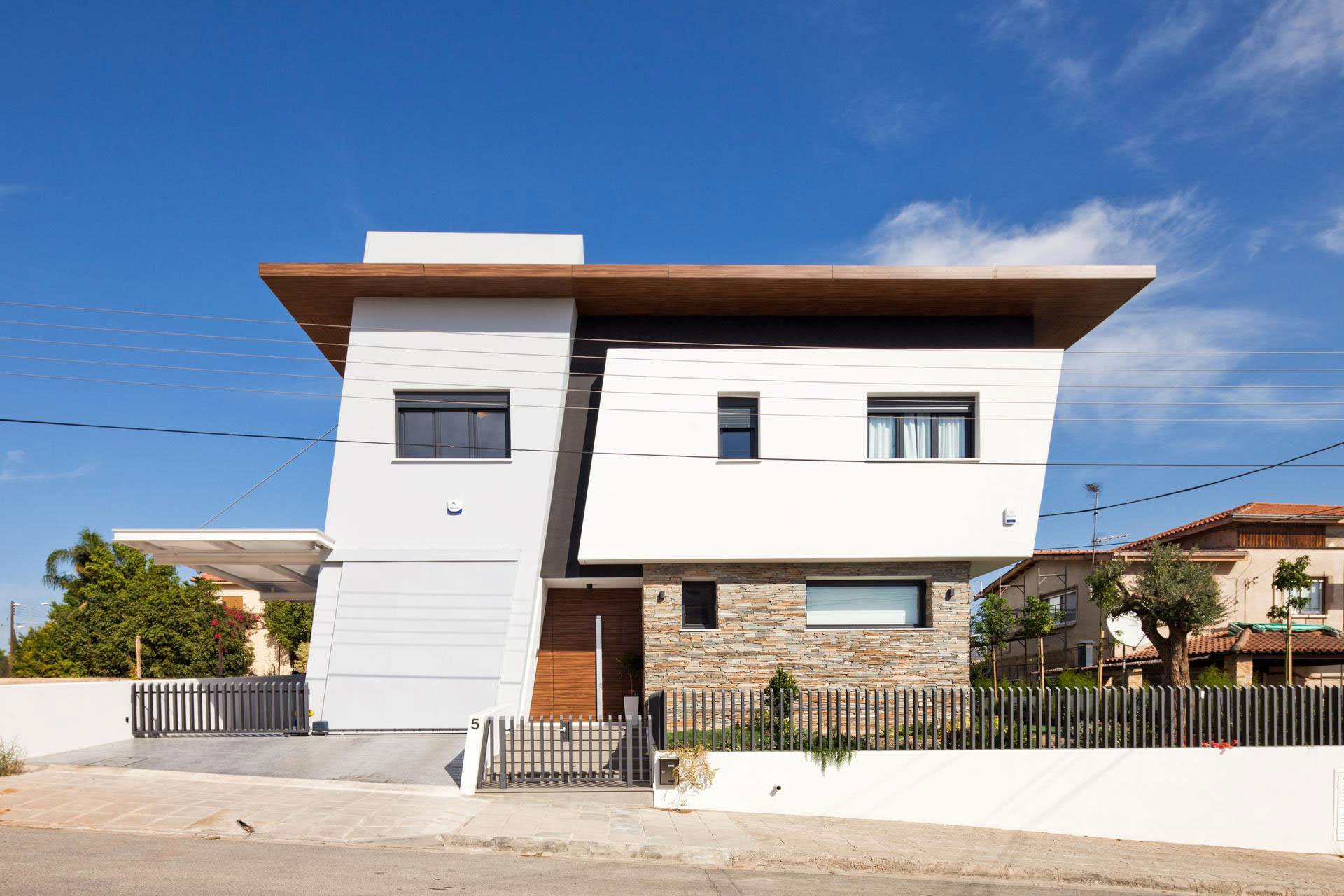 House-in-Strovolos-01