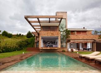 MP Quinta da Baronesa House by Studio Arthur Casas