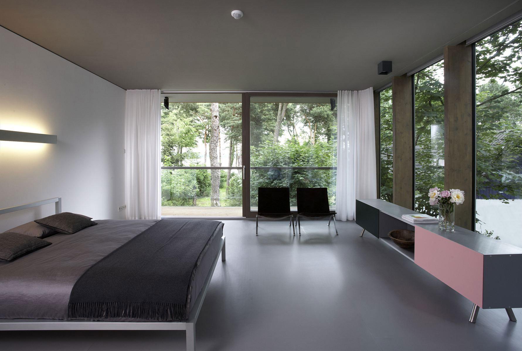 Minimum-House-14