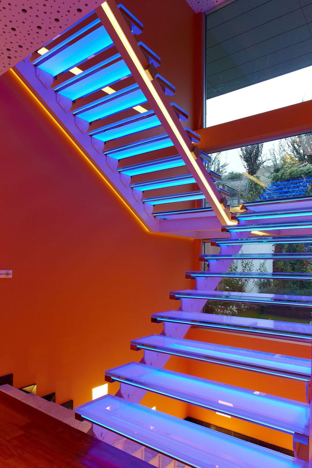 Orange-House-16