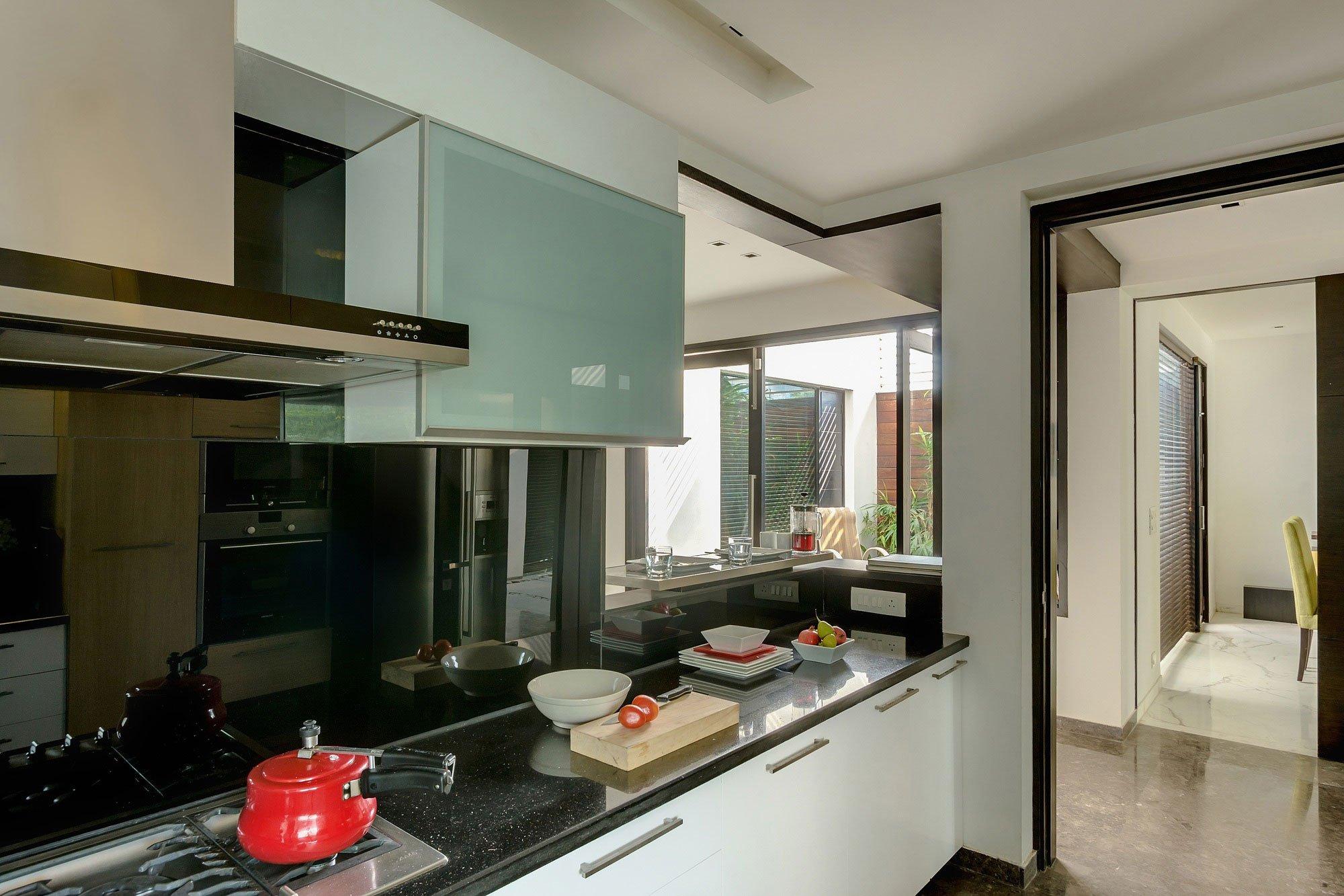 Overhang-House-10