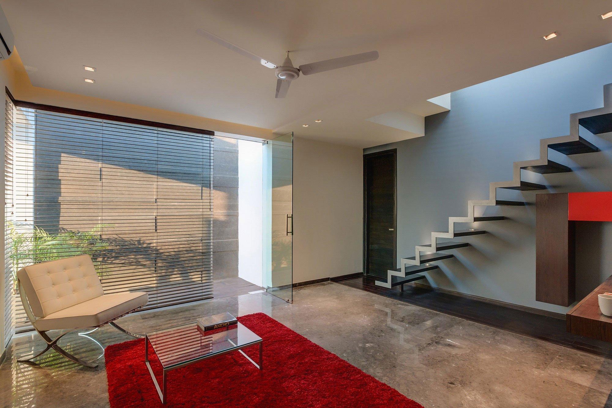 Overhang-House-11