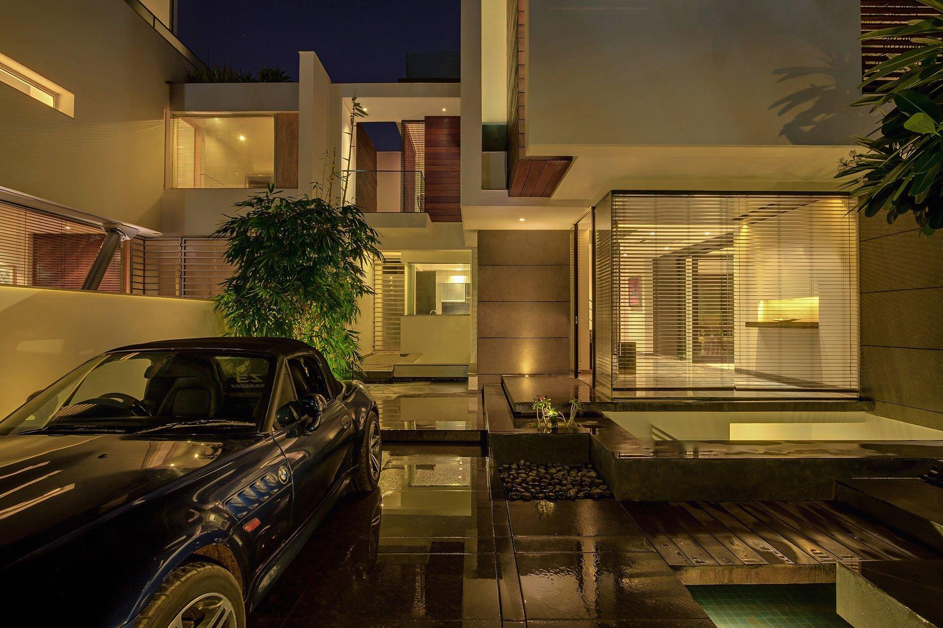 Overhang-House-24