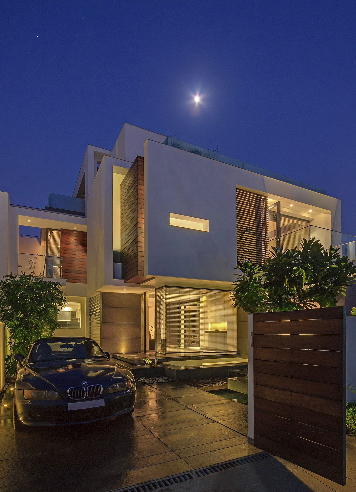 Overhang-House-25