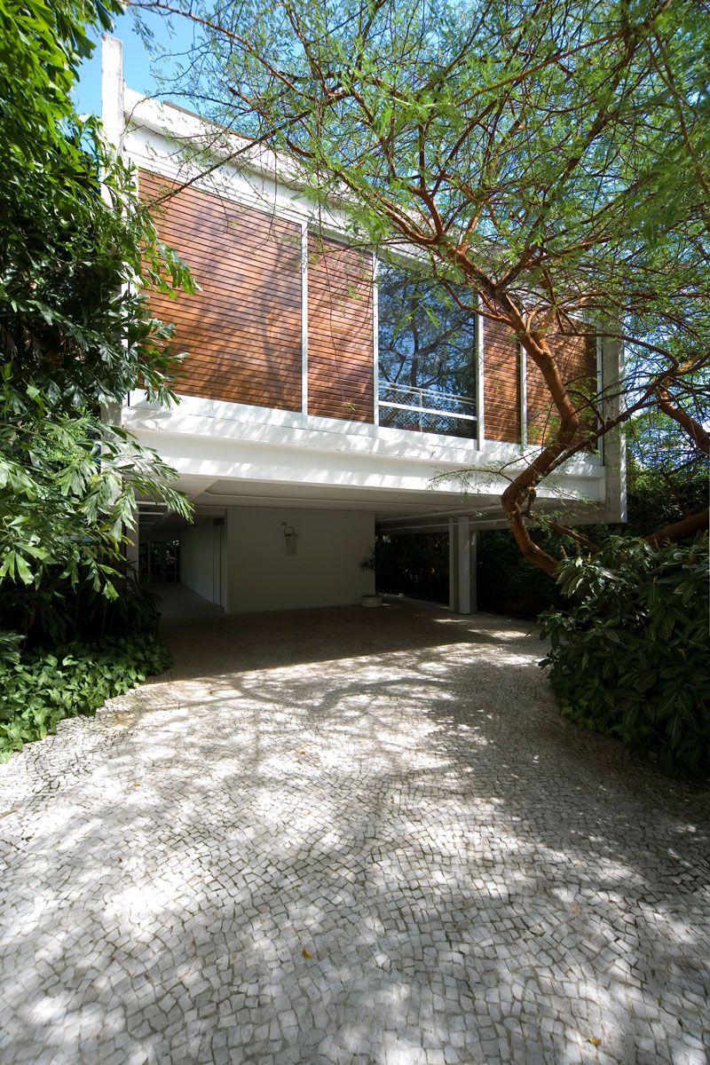 Residence-in-Itanhanga-01