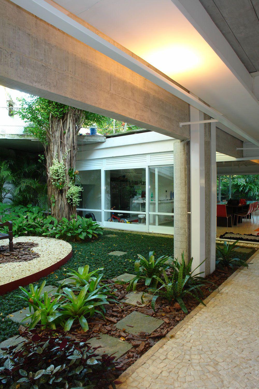 Residence-in-Itanhanga-07