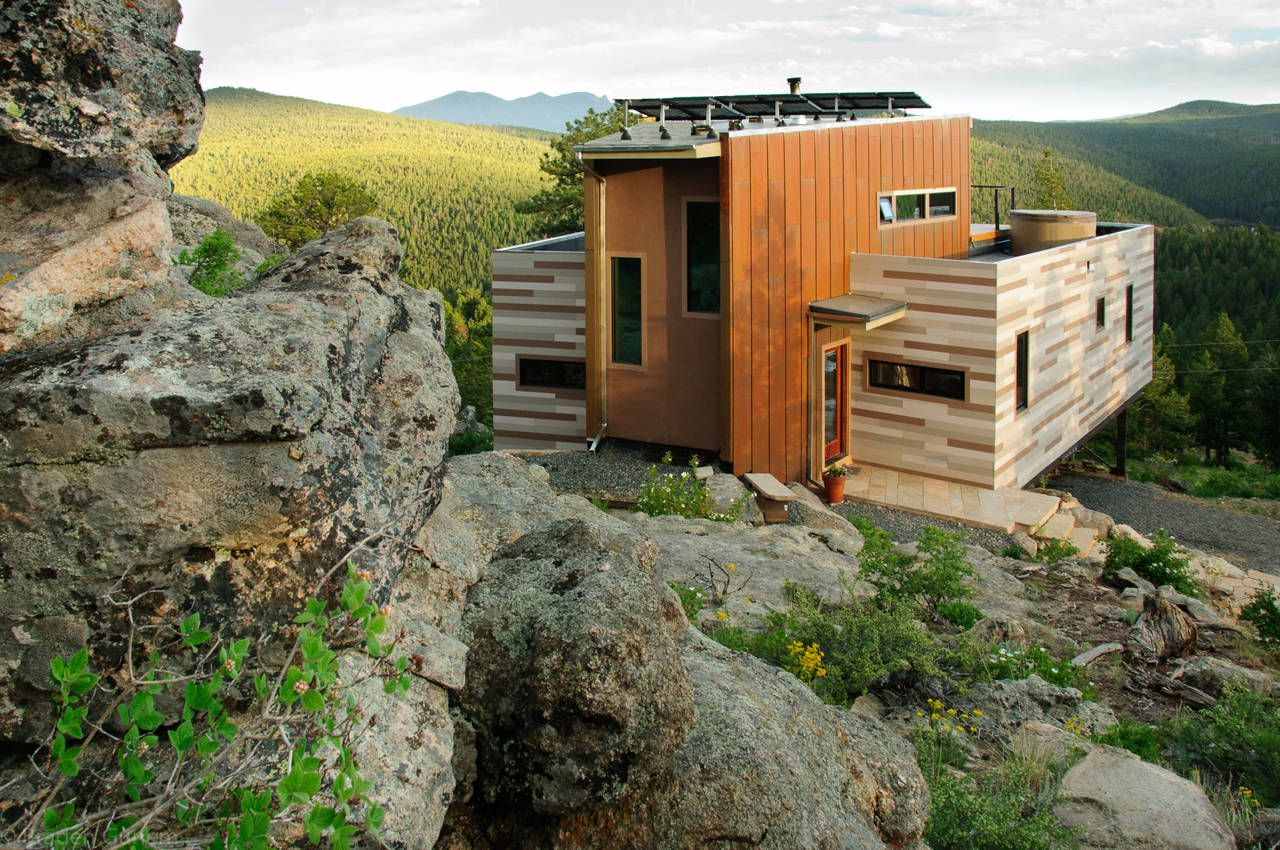 Shipping-Container-House-00