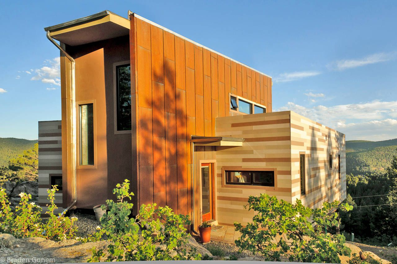 Shipping-Container-House-01