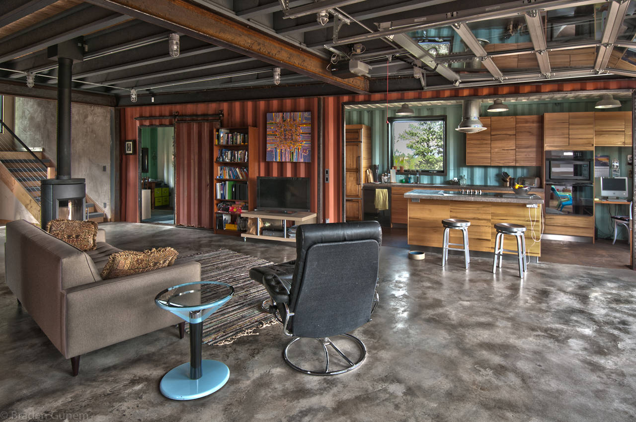Shipping-Container-House-03