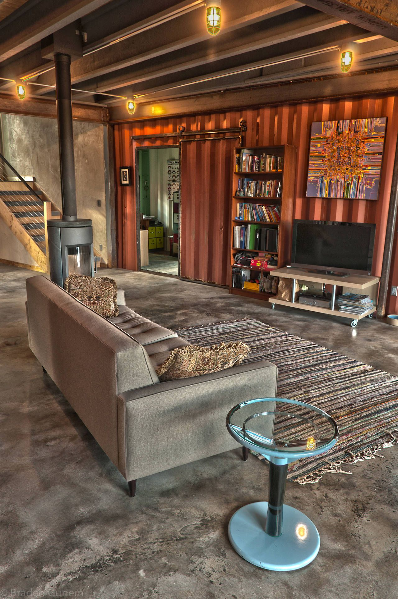 Shipping-Container-House-05