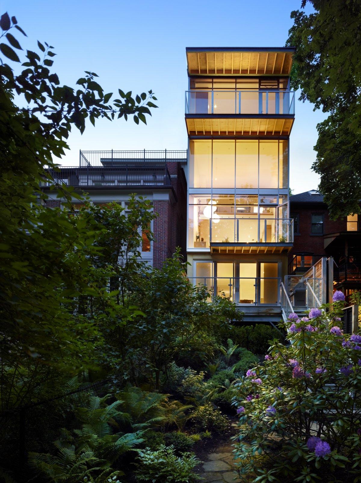 Urban-Ravine-House-01