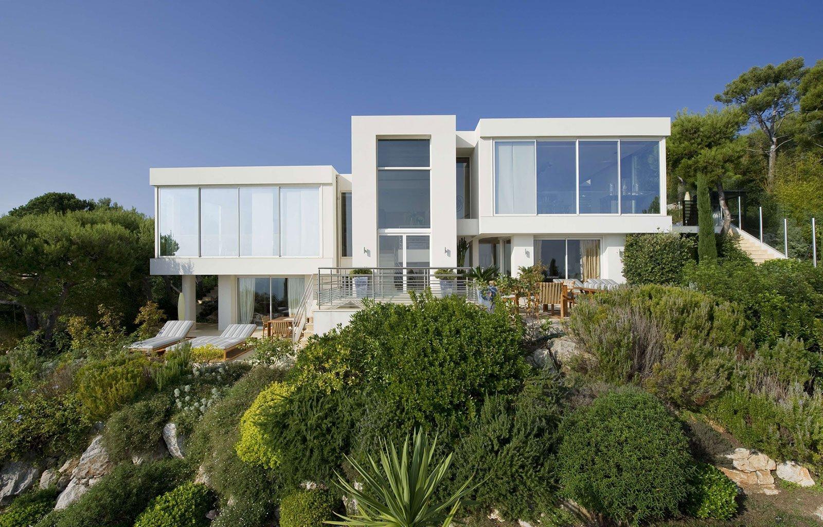 Villa-on-the-Cap-Ferrat-01