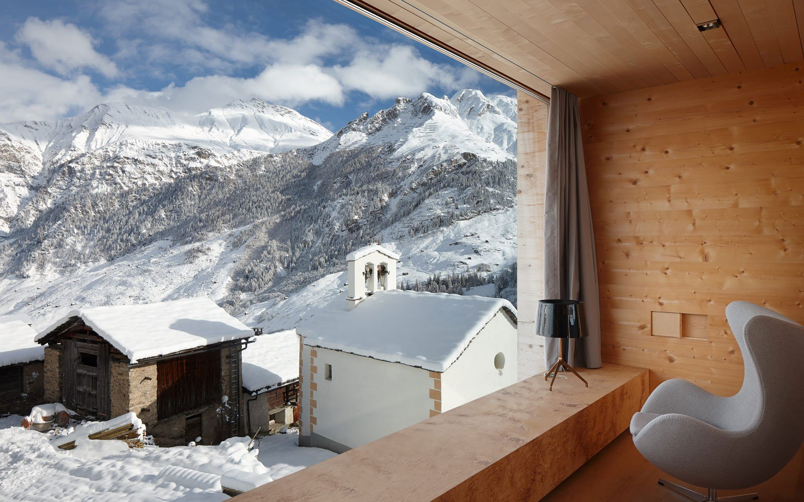 Zumthor-Vacation-Homes-11