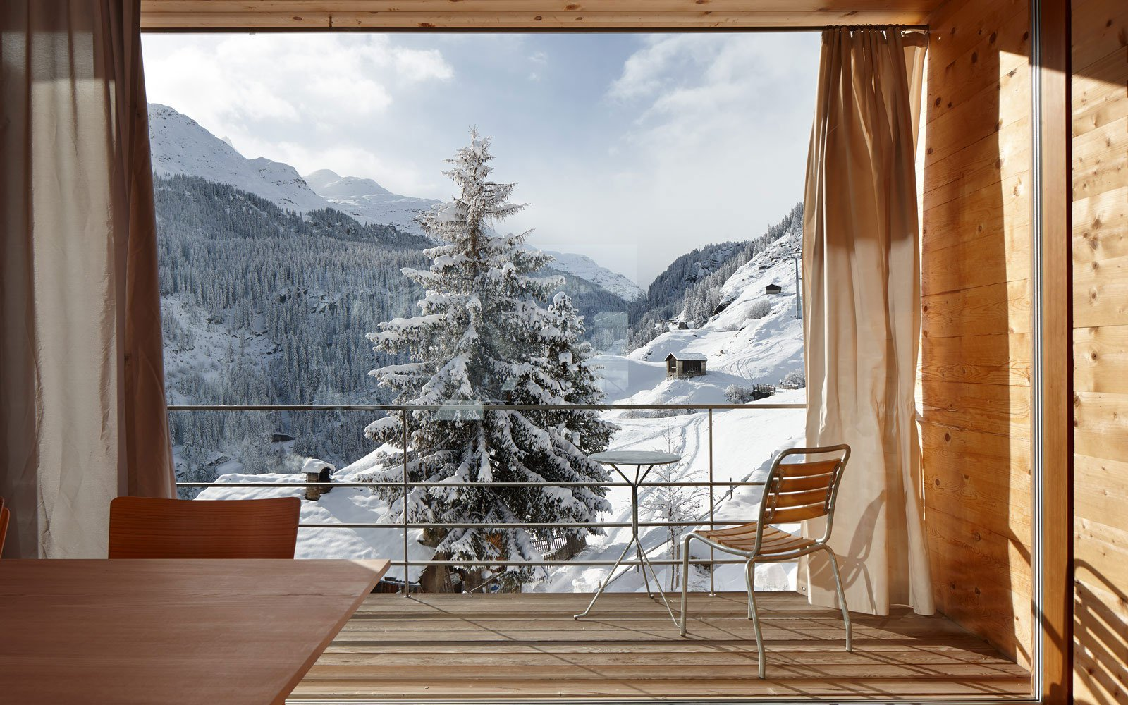 Zumthor-Vacation-Homes-14