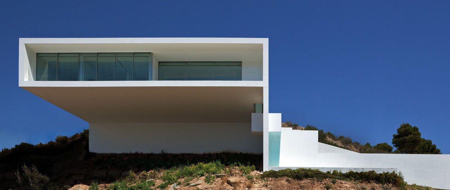 ALT | House on the Cliff by Fran Silvestre Arquitectos