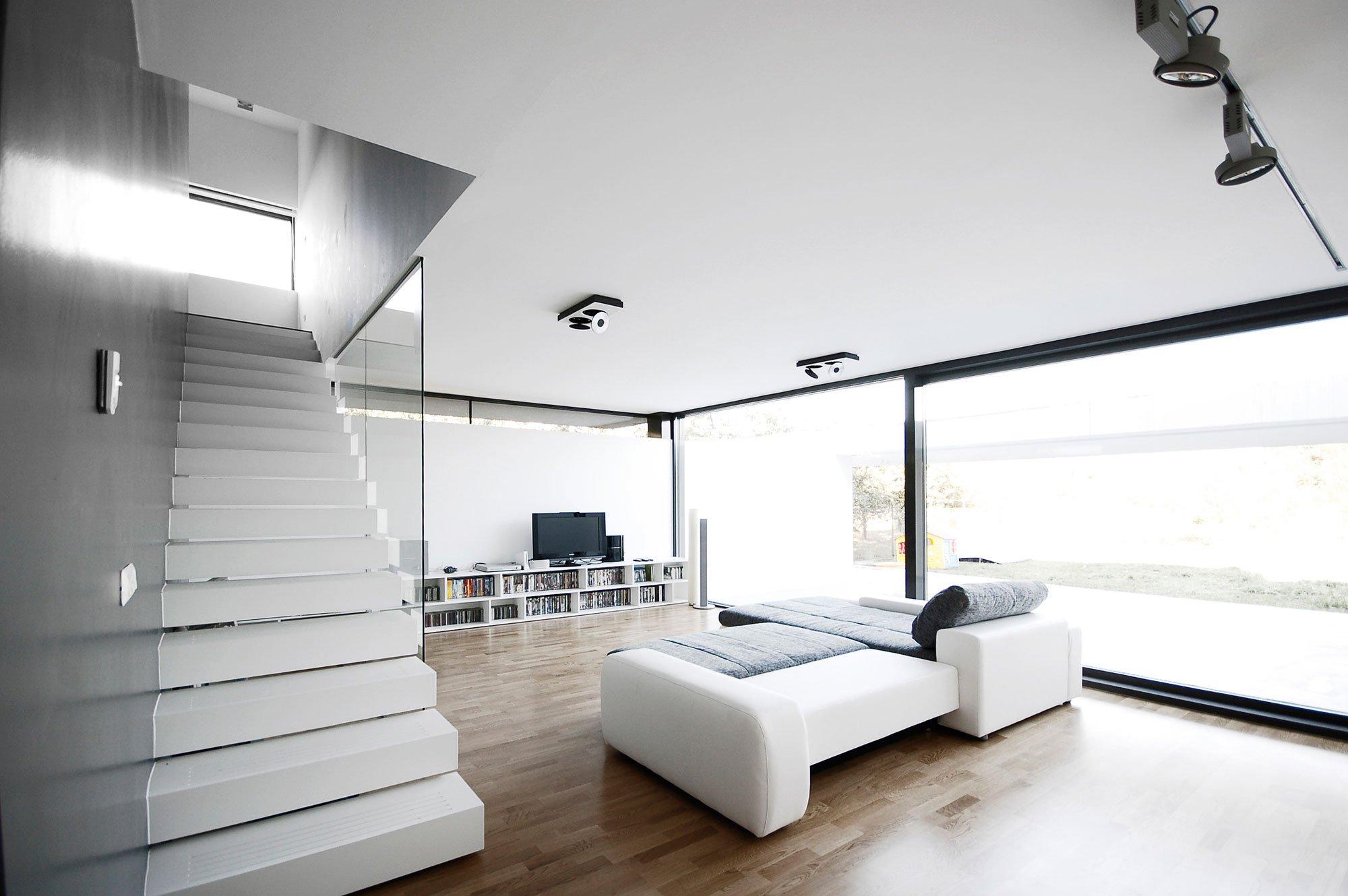 black-on-white-12