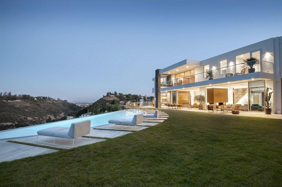 Modern Residence on 1740 Bel Air