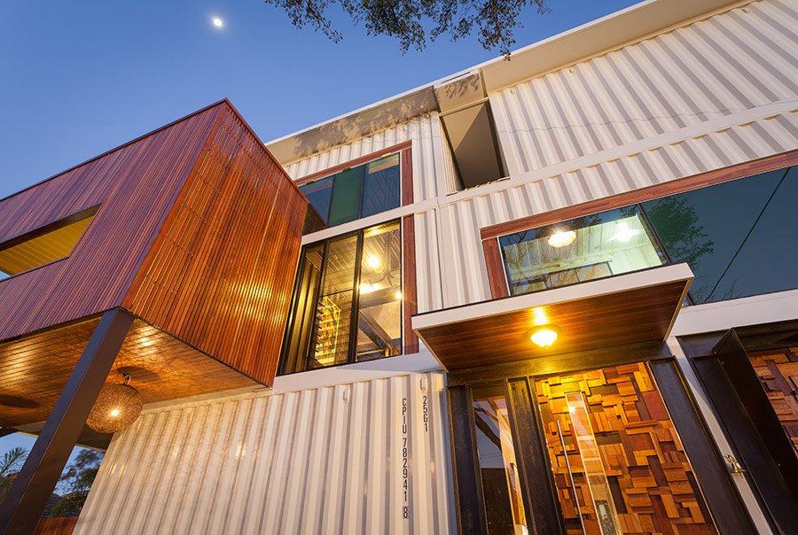 31-Shipping-Container-House-04