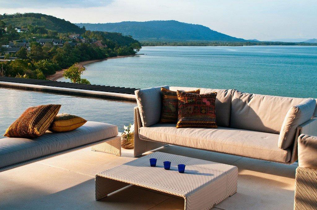 Absolute-Beachfront-Villa-04