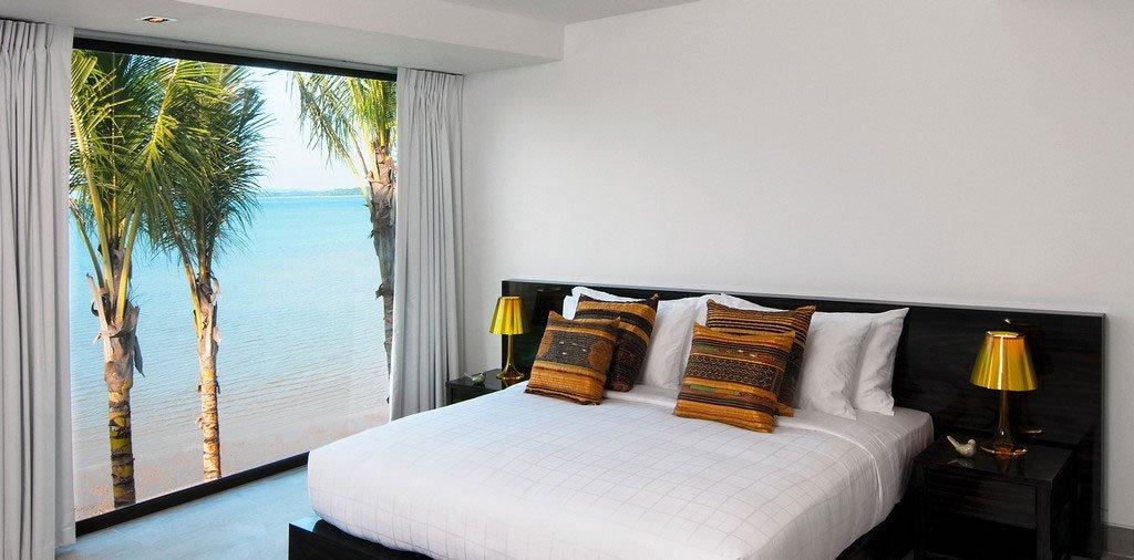Absolute-Beachfront-Villa-20
