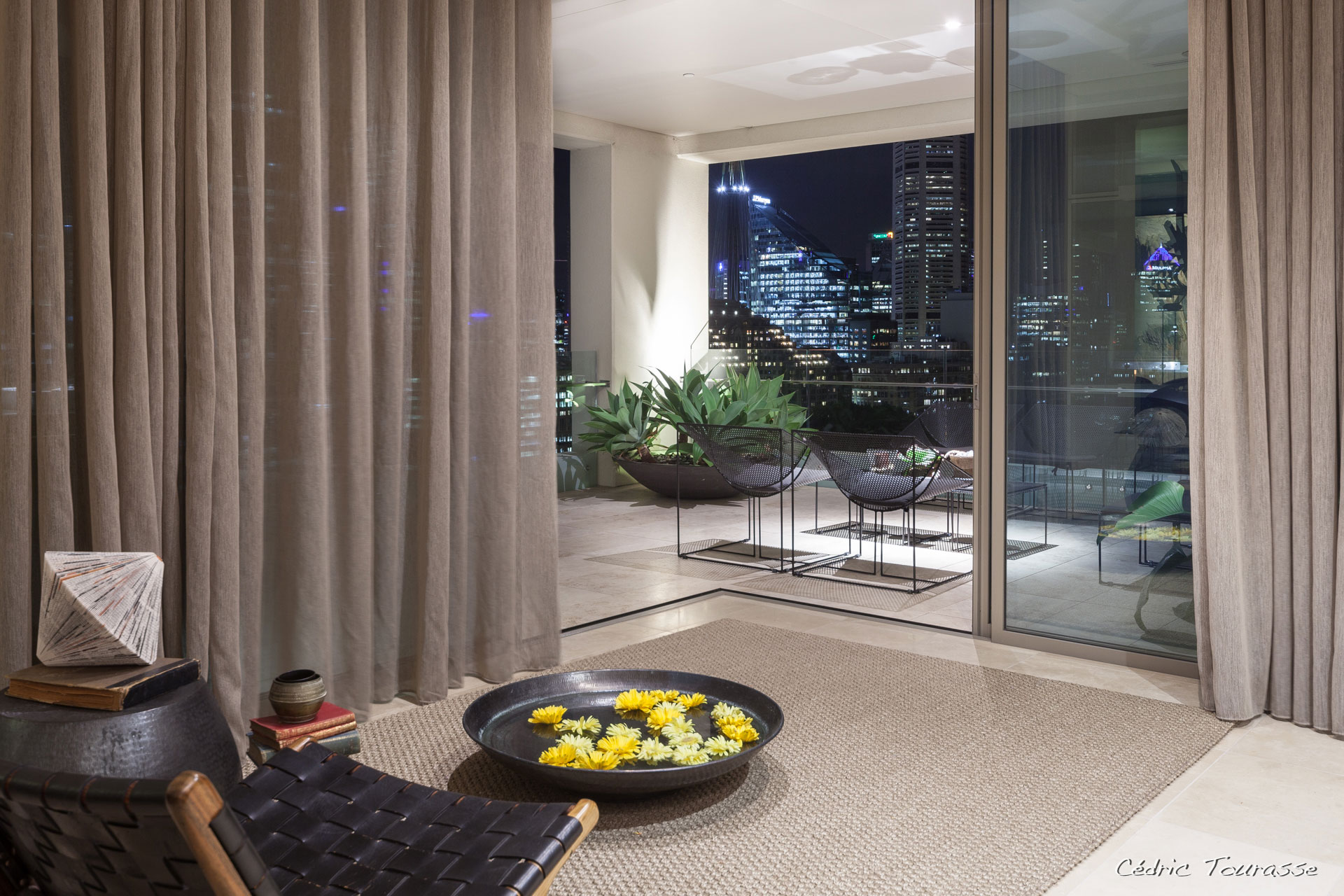 Apartment-in-the-Residence-16