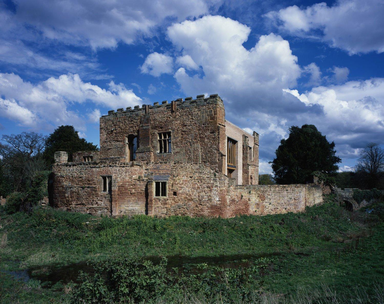 Astley-Castle-03