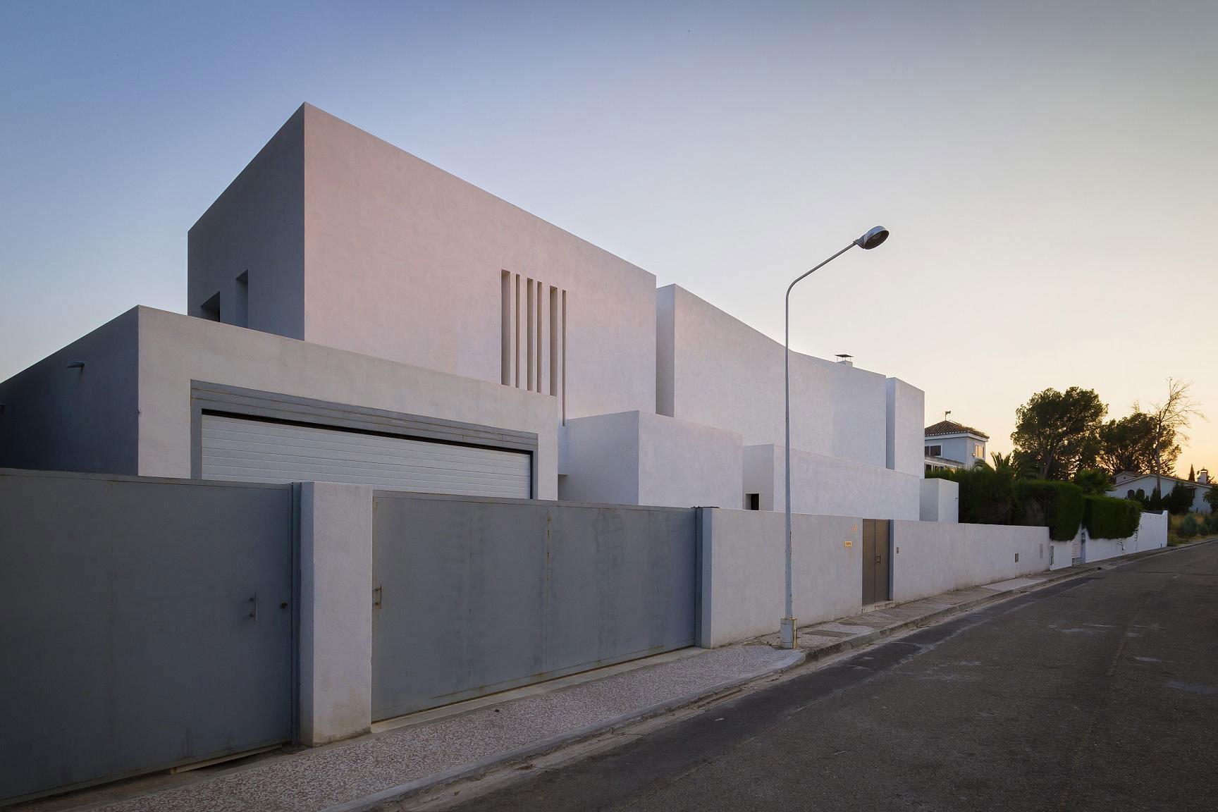Aviles-Ramos-Residence-01